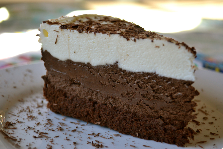 irresistibles propuestas de tartas caseras, receta tarta tres chocolates básicas, tartas fáciles y rápidas