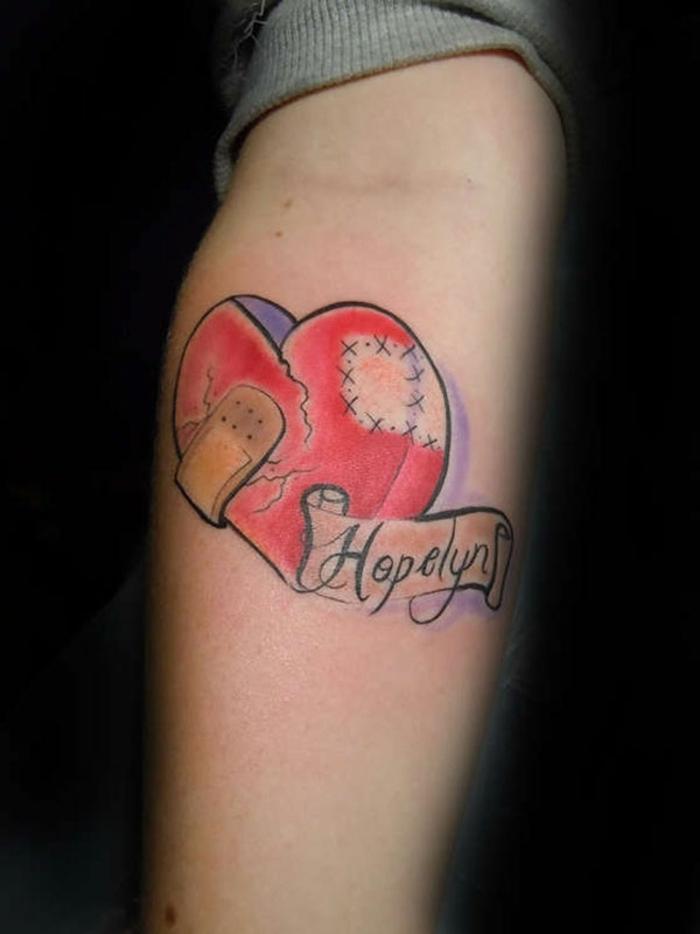 dibujos de tatuajes, tatuajes corazon para hombres y mujeres con fuerte significado, tatuajes con letras