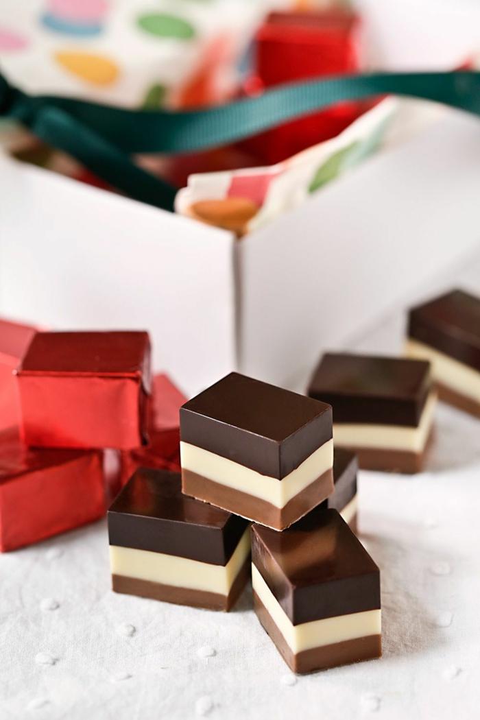 tartas pequeñas de tres tipos de chocolate, tarta mousse de chocolate, fotos de tartas ricas