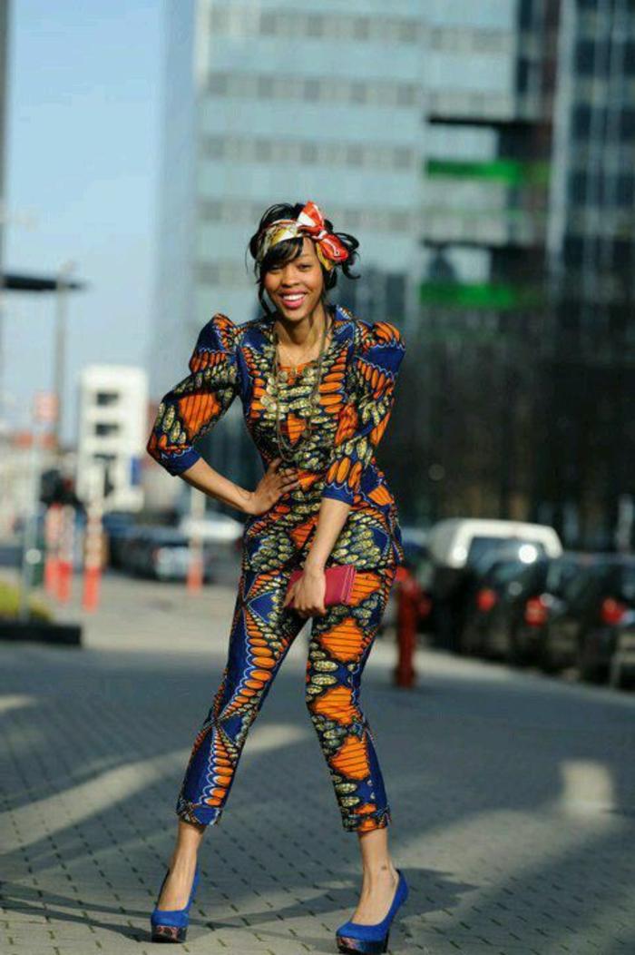 atuendo elegante con pantalón y chaqueta en colores llamativos, vestidos africanos mujer en 70 imagines