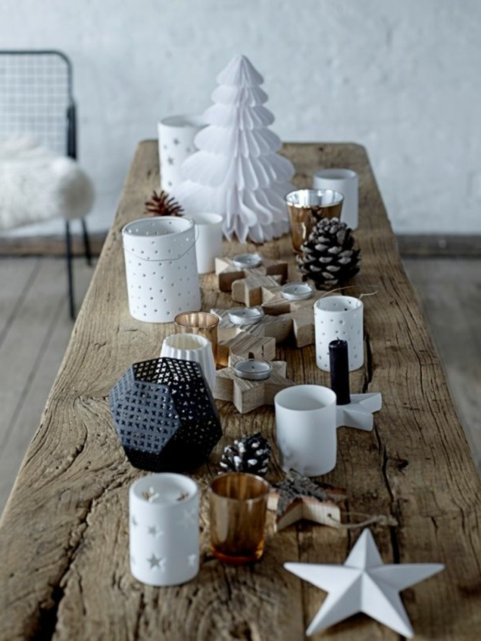 ideas de decoracion de mesa navideña bonita con pequeños detalles, casa decorada en blanco y madera