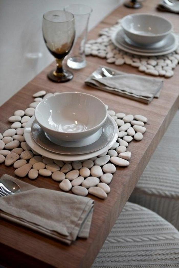 ideas de decoracion de mesa navideña, cómo decorar un comedor en estilo escandinavo