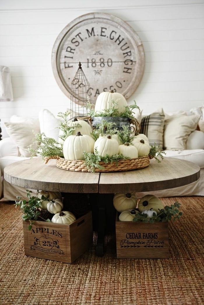 preciosas ideas de decoración de casa en estilo rústico, decoración con calabazas blancas