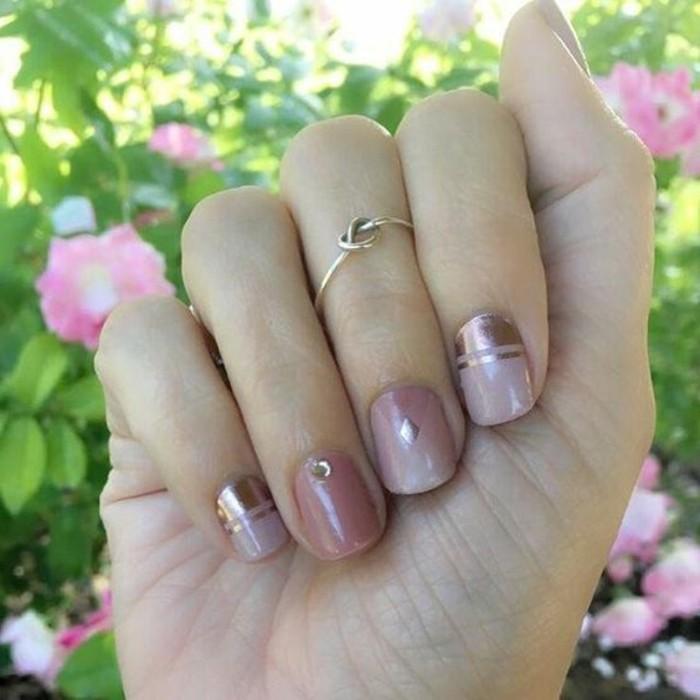 uñas de gel 2017, uñas cortas en colores pastel con cristales decorativos, diseños de uñas 2017