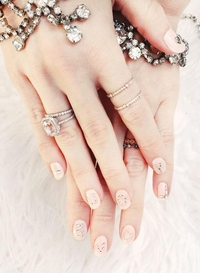 los mejores diseños de uñas con cristales y piedras, uñas de gel 2017, diseños de uñas bonitos