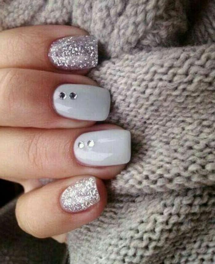 uñas largas cuadradas en blanco y plateado, uñas de gel 2017, diseños de uñas super bonitos