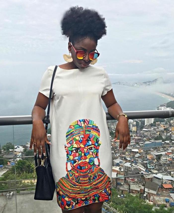 vestidos africanos mujer super originales, vestido corto color blanco con mangas cortas y estampado en colores