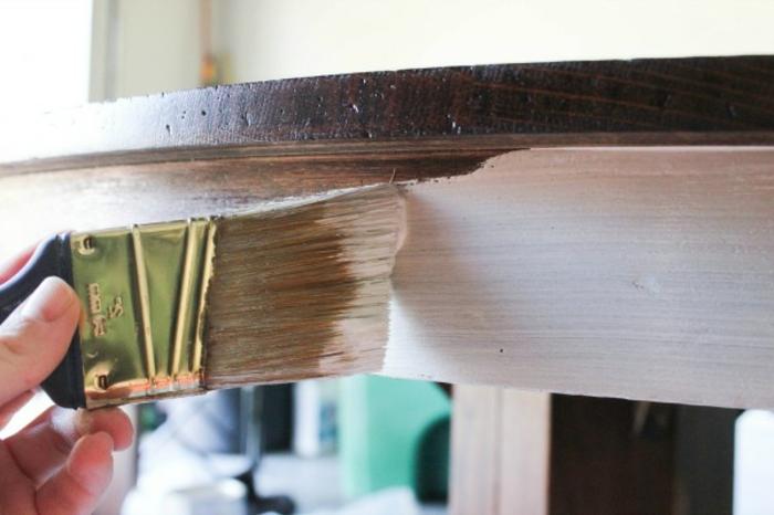 ideas sobre como pintar un mueble de madera de otro color, pintar muebles paso a paso, muebles antiguos pintados bonitos