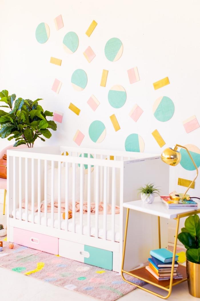 paredes decoradas con mucho encanto, ideas de manualidades para decorar la casa, detalles decorativos con fieltro
