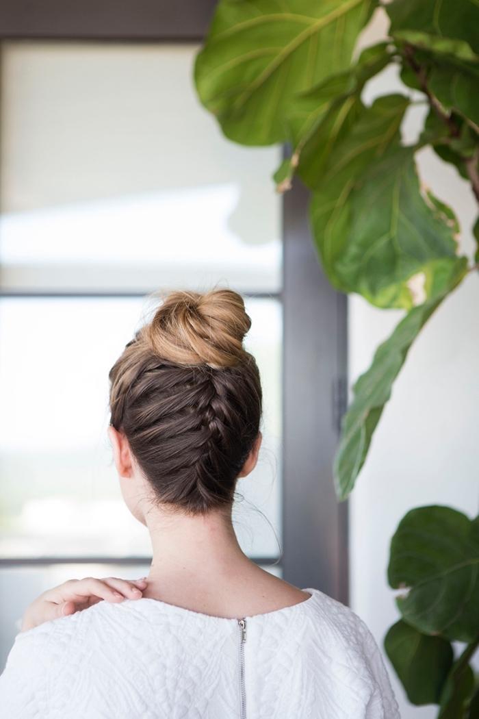 las propuestas más originales de peinados de fiestas pelo largo, moño alto con trenza francesa
