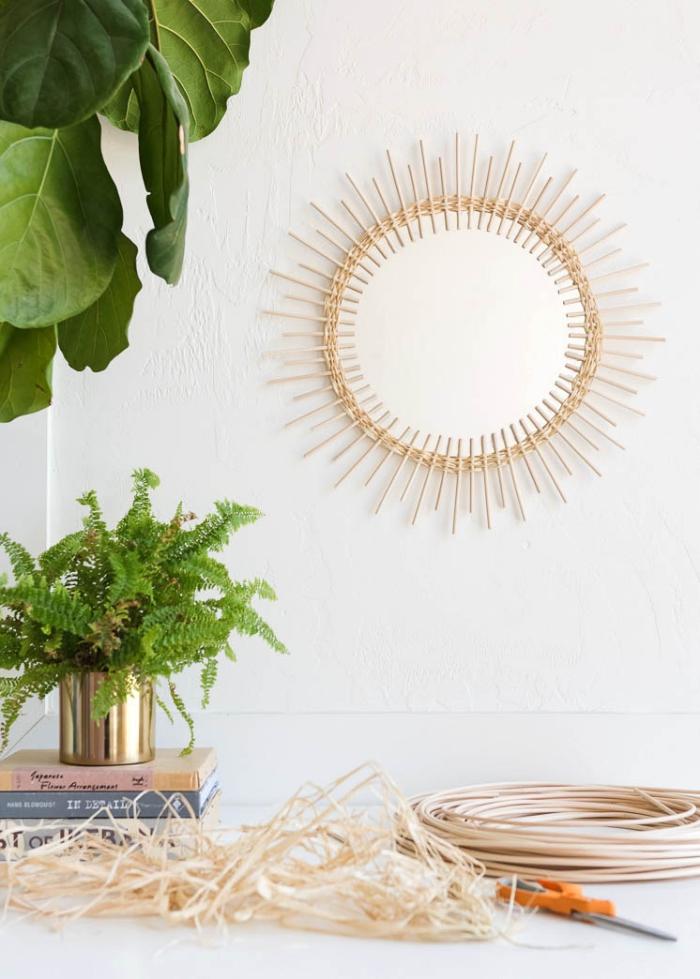 decoracion pared salon con espejos, magnificas ideas de decoración con espejos, salón decorado con mucho encanto