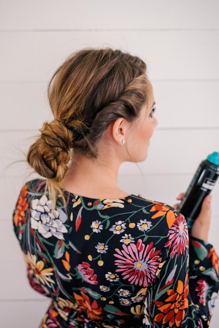 bonitas sugerencias de peinados de novia en estilo boho chic, peinado trenzado con bollo