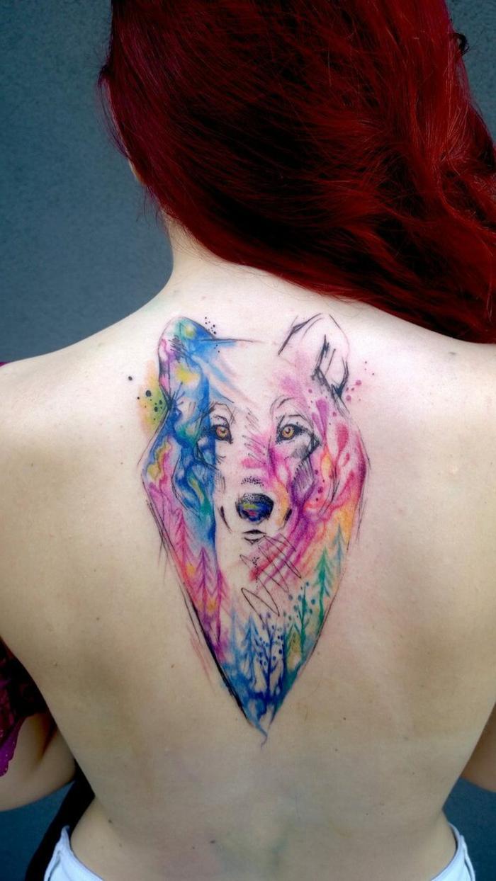 tatuajes coloridos en la espalda, diseños de tatuajes con significado, tatuajes de animales