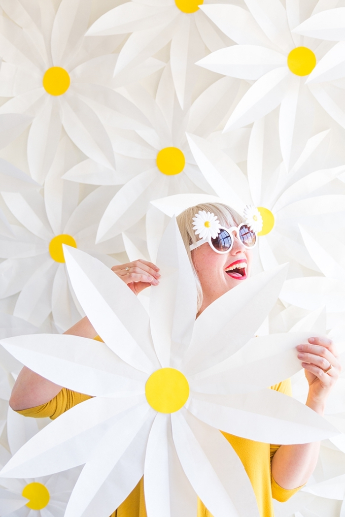 magníficas ideas de decoración cassa, decoración de pared, grandes flores hechas de fieltro