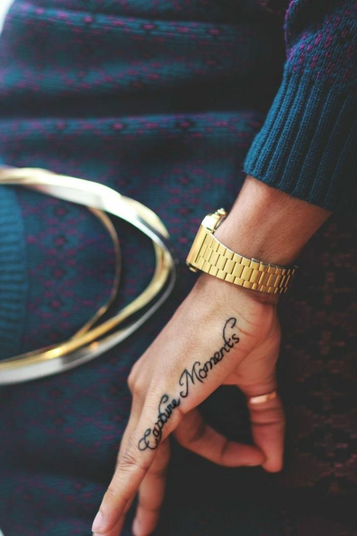 tatuajes con letras super bonitos, tatuaje mano originales y bonitos, más de 90 imagines