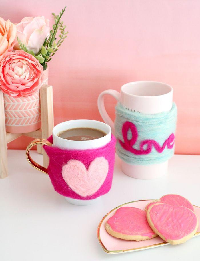regalos originales hechos a mano para el dia de los enamorados, abrigos de tazas coloridos
