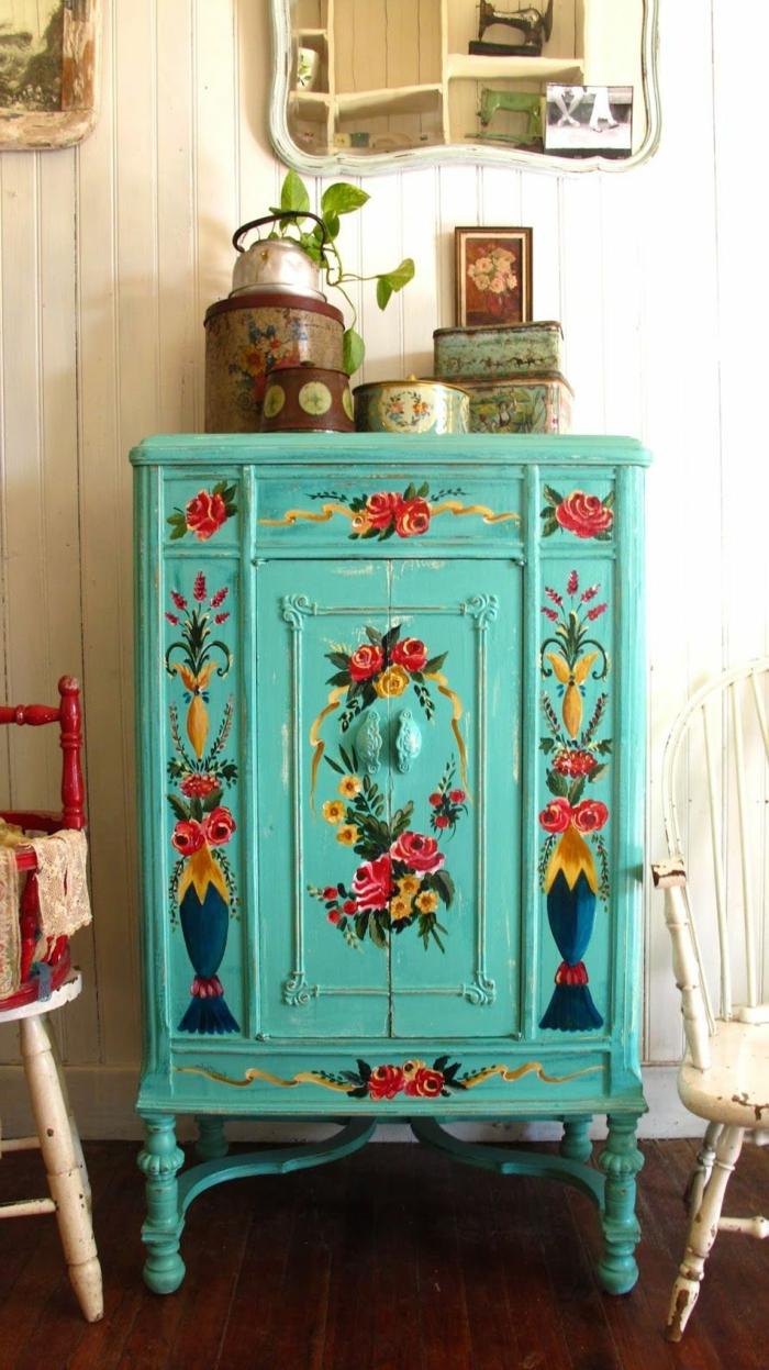 muebles pintados a la tiza, los mejores ejemplos de muebles, pequeño armario pintado en verde con motivos florales