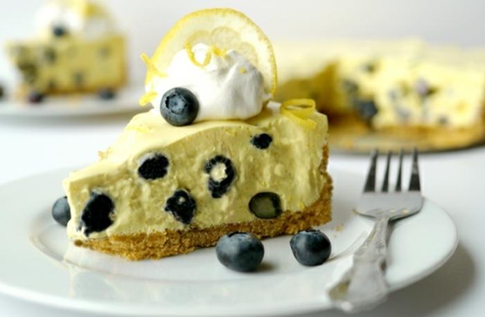 las mejores ideas de tartas de queso sin horno hechas en casa, tarta con crema de limón y arándanos