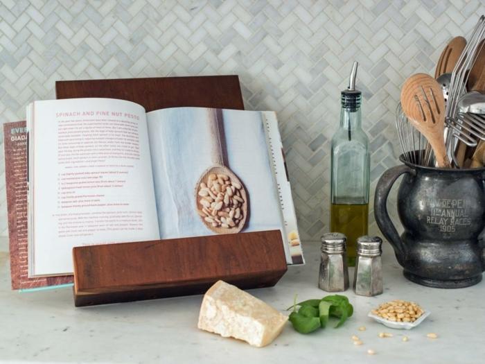 soporte de madera para leer, ideas únicas de regalos personalizados para personas queridas