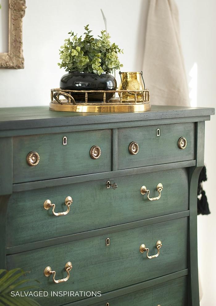 ideas únicas de decoración de muebles viejos con pintura de tiza, armario pintado en color verde