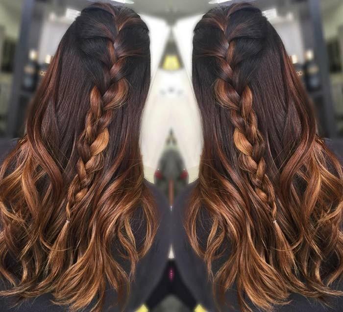 bonito semirecogido trenzado, cabello largo castaño oscuro con mechas balayage color cobrizo