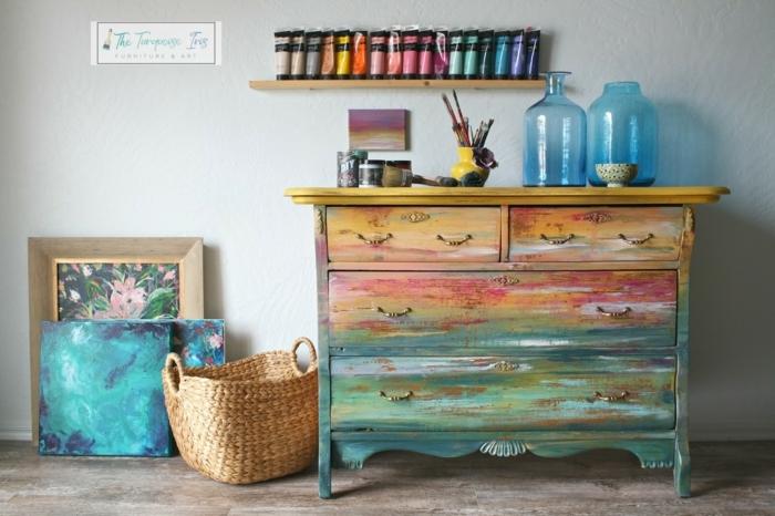 ideas sobre restaurar muebles antiguos, cofre de madera pintado con pintura acuarela