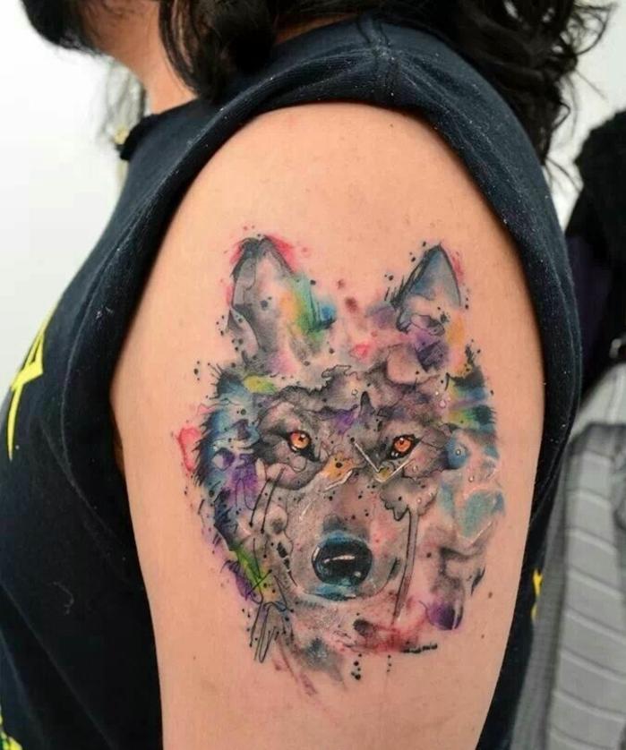 tatuajes de animales en estilo acuarela, diseños de tatuajes tumblr, tatuajes brazo mujer en colores