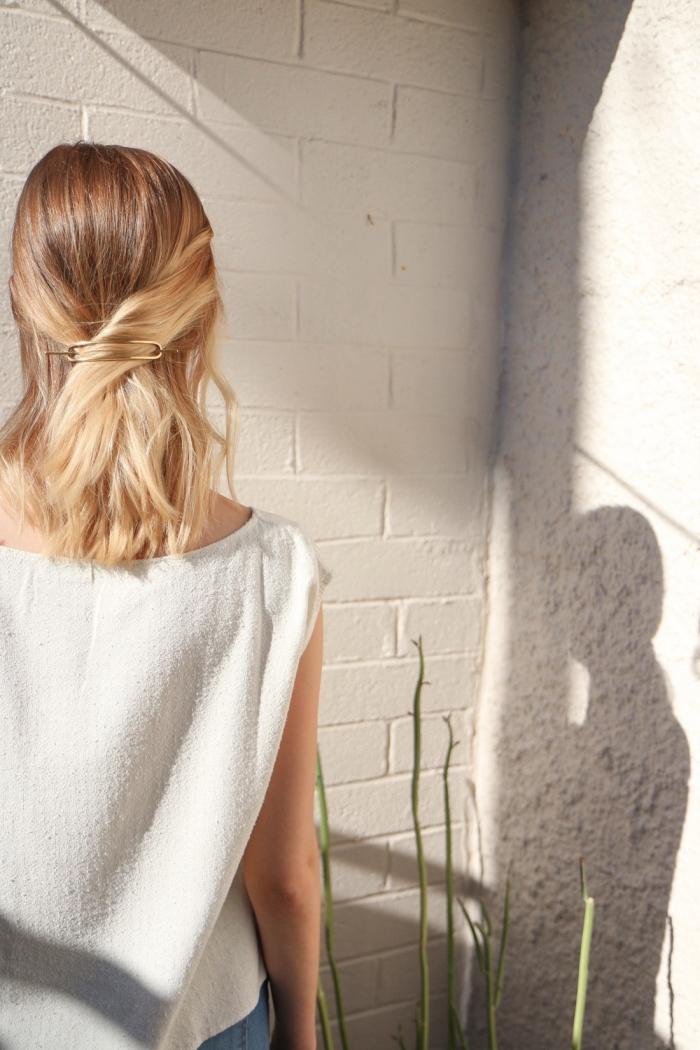 ideas originales de recogidos sencillos para cada día, peinados pelo corto y media melena
