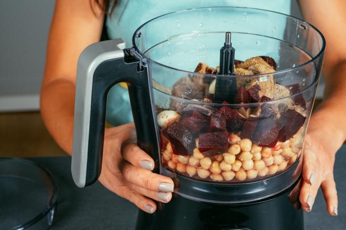 humus casero en un procesador de alimentos, ideas de recetas faciles y rapidas para una receta en casa, fotos de recetas