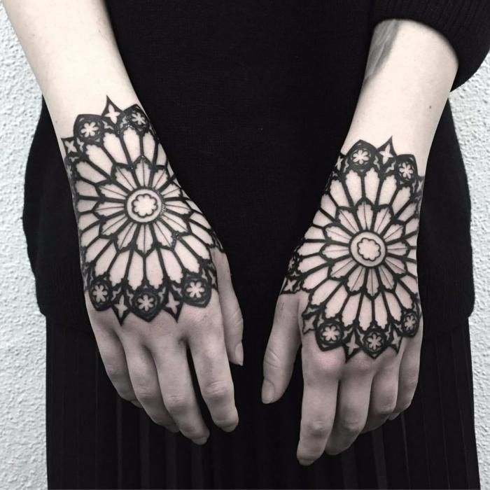 los mejores diseños de tatuajes tumblr en la mano, diseños originales en la mano para hombres y mujeres