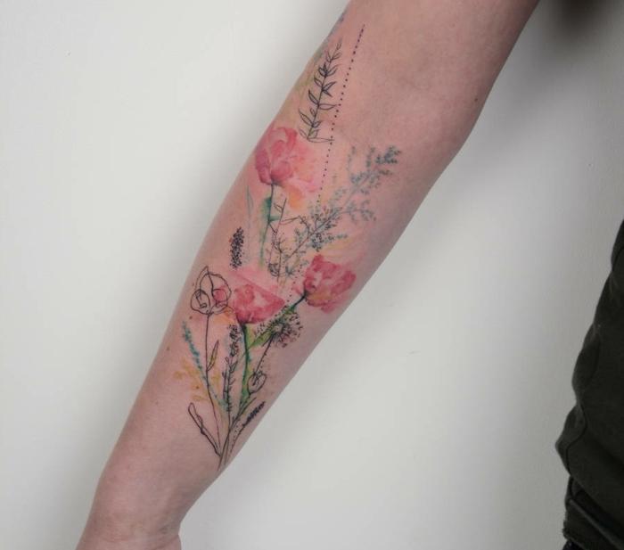 interesantes propuestas de tatuaje antebrazo con flores, diseños de tatuajes en colores