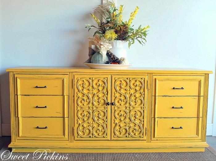preciosas ideas de muebles pintados con chalk paint, armario de madera ornamentado pintado en amarillo
