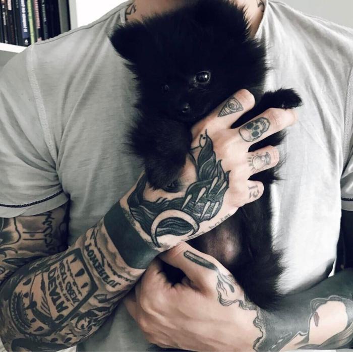 diseños de tatuajes hombre super originales, antebrazo, mano y dedos tatuados, tatuajes originales en imagines