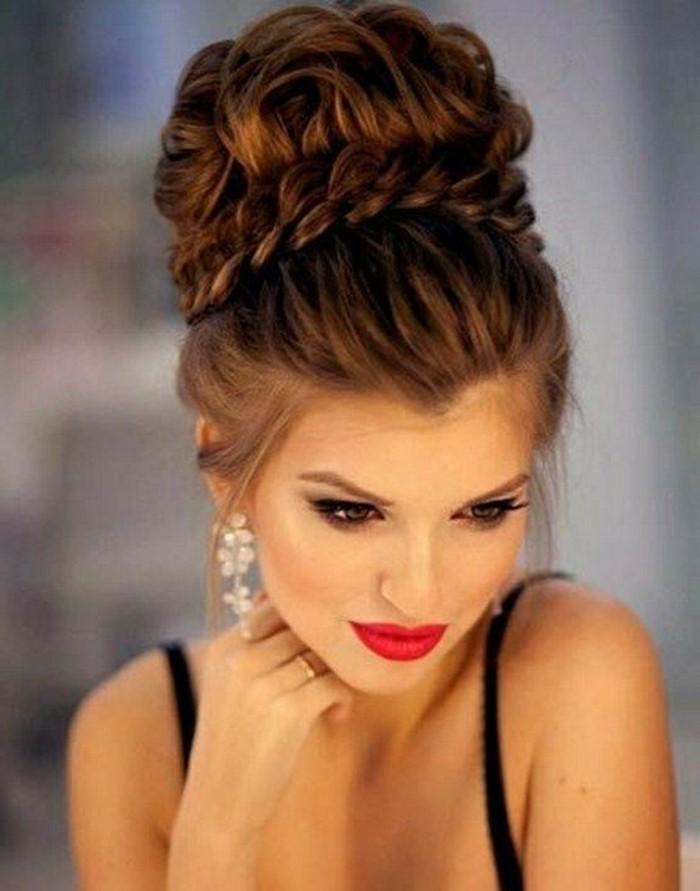preciosas ideas de peinados para pelo largo, cabello recogido en precioso moño con trenza