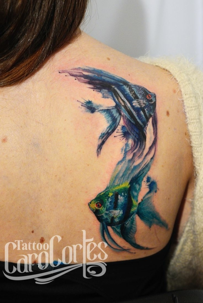 tatuajes de mariposas y otros animales en acuarela, tattoos en la espalda mujer, diseños de tattoos acuarela únicos