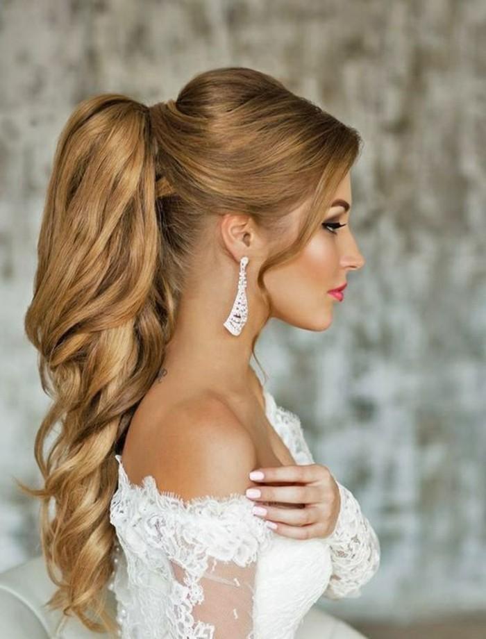recogidos novia originales, cabello muy largo recogido en preciosa coleta alta con mechas onduladas
