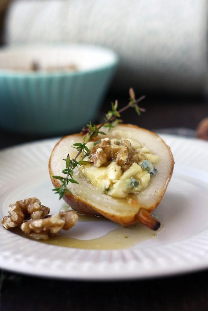 postres ricos y unicos, pera con salsa de miel, quesos y romero, tapas veganas y vegetarianas