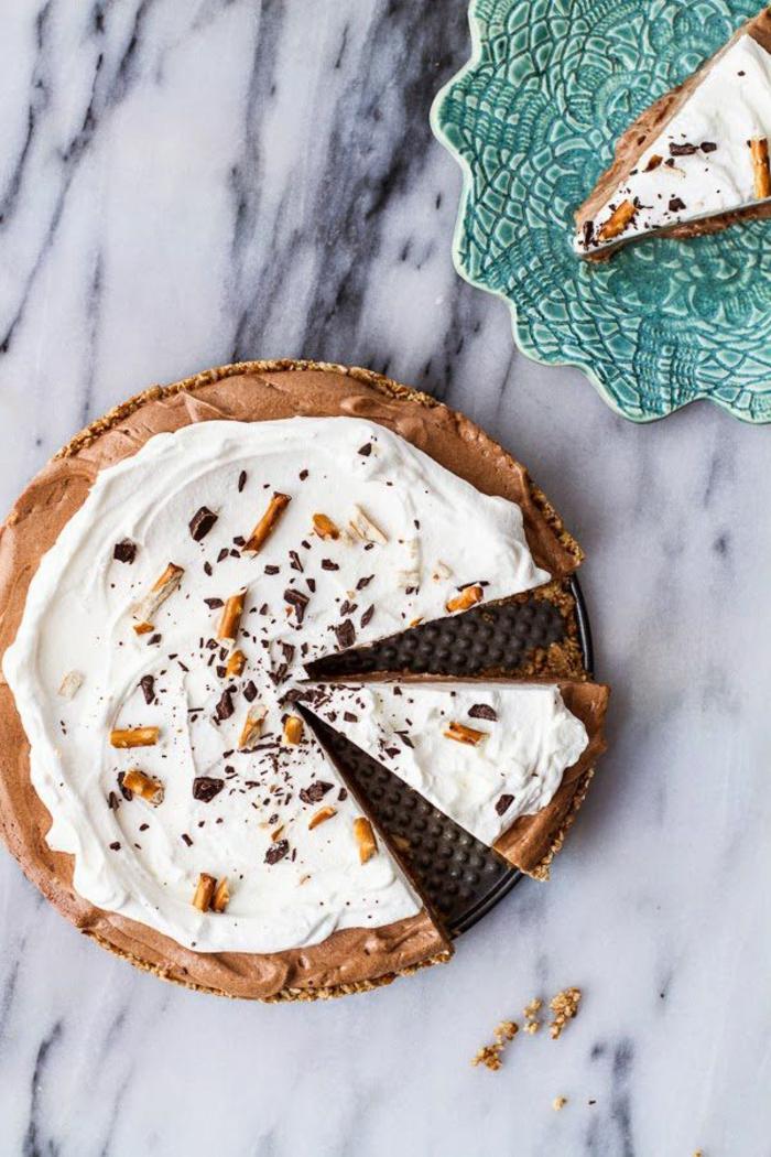 tarta casera con corteza de galletas, imagines de tartas rápidas y fáciles, postres faciles de hacer en casa frios