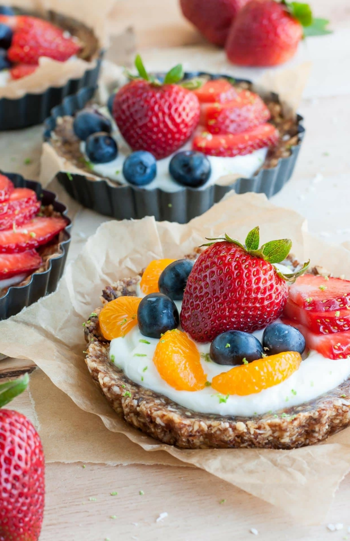 tartas caseras con frutas sin horno, postres faciles de hacer en casa frios paso a paso en imagines
