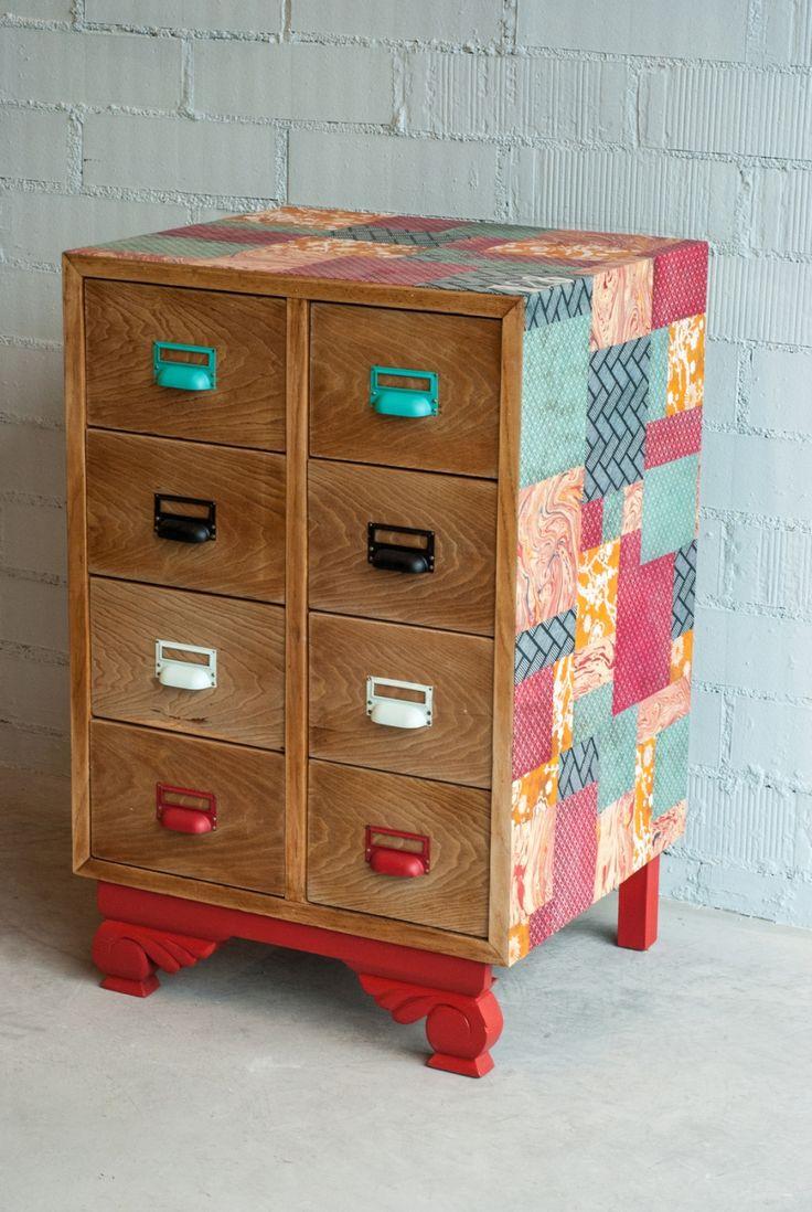 precioso armario decorado en colores con papel pintado, ideas como pintar un mueble de melamina, armario viejo renovado