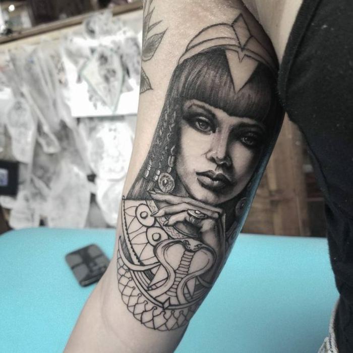 tattoo brazo mujer, diseños de tatuajes bonitos y simbolicos en fotos, tatuajes egipcios modernos, diseños de tatuajes especiales
