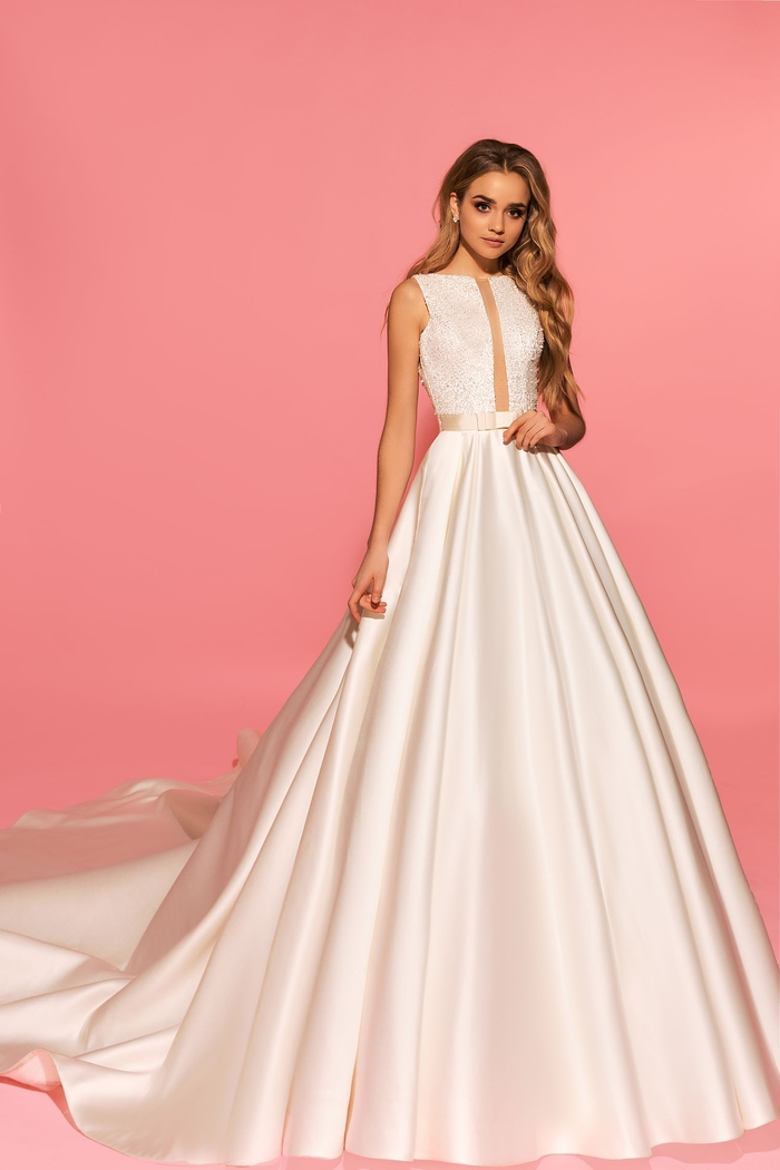 diseños de vestidos bonitos, largo vestido de satén con parte superior de encaje, los mejores diseños de vestidos de novia 2019
