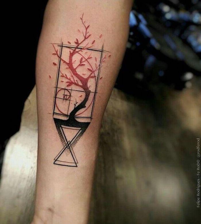 las mejores propuestas de tatuajes con significado, tatuaje geométrico con árbol significado escondido, originales ideas de tattoos