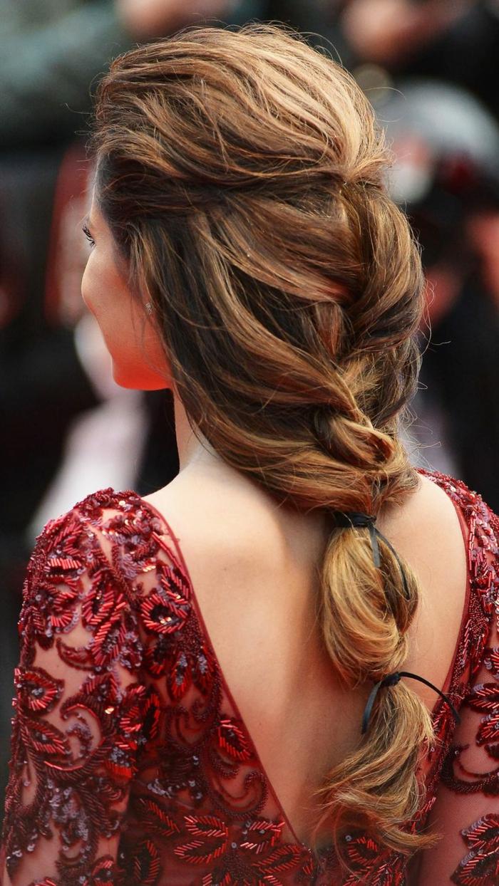 preciosos ejemplos de peinados con recogidos, alucinantes ideas de peinados de novia mediavales, cabello largo con mechas balayage