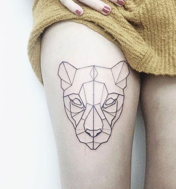 tatuajes en la pierna geométricos, diseños de tattoos geométricos para hombres y mujeres, tattoos en la cadera bonitos