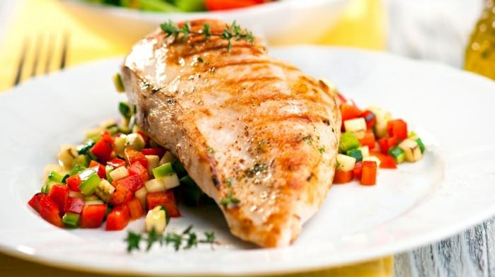 las mejores propuestas de menus para adelgazar, pescado a la parrilla con romero y verduras asadas, ricas propuestas de comidas saludables