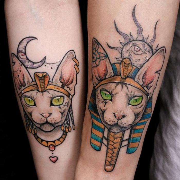 simbolos egipcios tatuados en el antebrazo, diseñs de tatuajes simbolicos con las deidades de egipto, preciosos tatuajes en colores