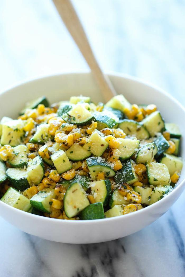 ricas propuestas de ensaladas saludables para hacer en casa, platos para un menu semanal para adelgazar paso a paso