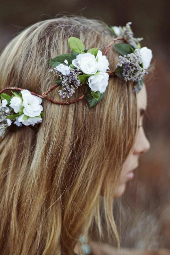 las mejores ideas de peinados medievales con corona, cabello largo suelto con preciosa corona de flores, peinados de novia bonitos