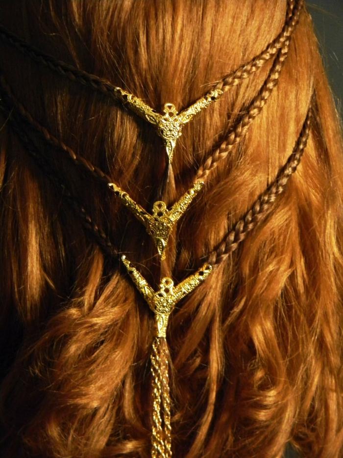 ornamentos bonitos para el cabello, peinados medievales con corona y accesorios bonitos, peinados pelo suelto